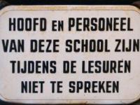 bordje_school_niet_te_spreken